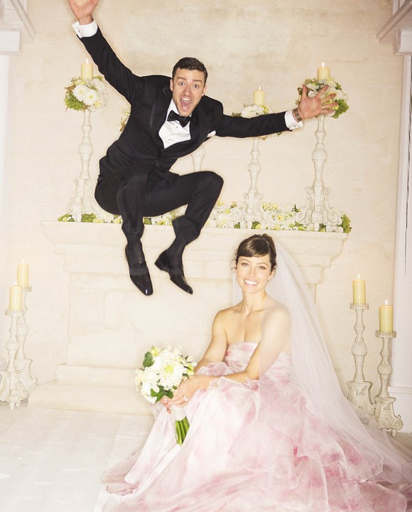 The new Mr & Mrs Timberlake. Love it!