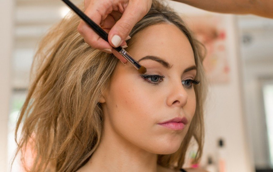 how to do 70s boho bridal makeup